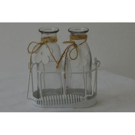 Glasflaschen im Korb
