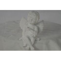 Engel sitzend